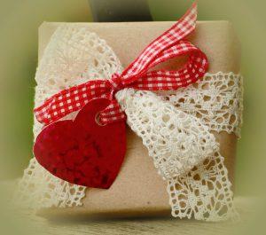 gift-1196258_960_720